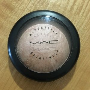 Mac Cosmetics By Candlelight Mineralize Skinfinish